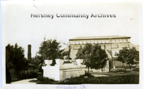 Hershey Park's first conservatory was built close to the park main entrance. ca1915