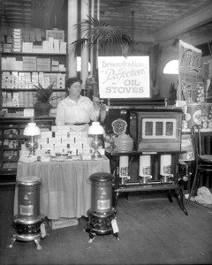 Perfection Oil Stoves and Parowax, Hershey's Pure Food Show, 2/1916