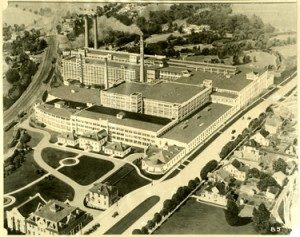 Aerial view: Chocolate Avenue; Fanny Hershey home (nurses' quarters) and first Hershey Hospital visible in lower right.